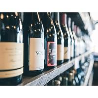 Les prix doux c'est toute l'année sur Ariès... et encore plus en ce moment avec la foire aux vins ! Offrez-vous de beaux flacons à partager entre copains 🍷(lien dans la bio) #aries #ariesvins #copainsdegrandscrus #vinsdebordeaux #grandscrus #wine #vin #bonsvins #adeguster #degustation #entreamis #degusteraveclescopains #unbonvinentrecopains #culturevin #foireauxvins #promotions #bonplan #prixdoux